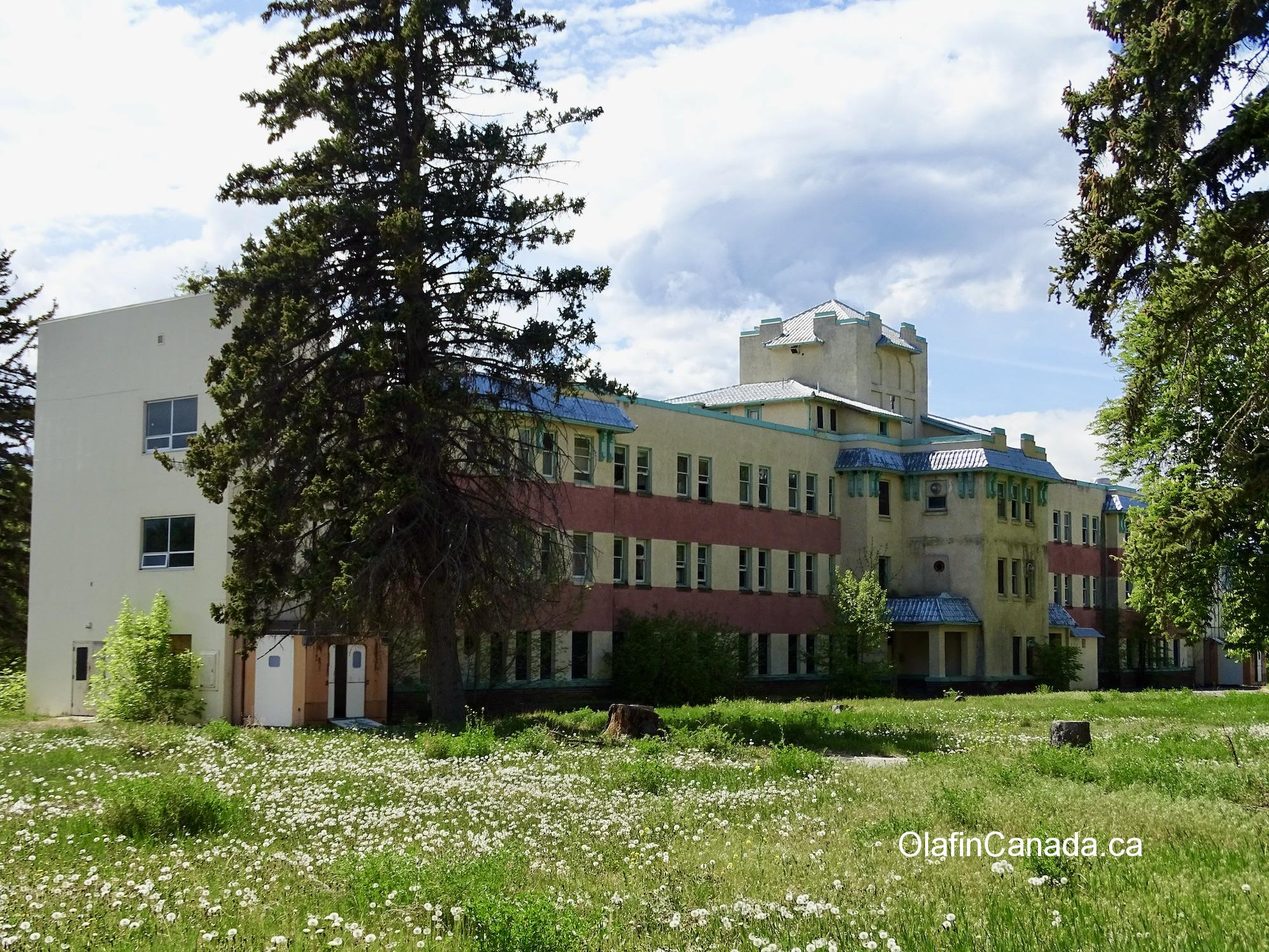 Greaves hospital in Tranquille, near Kamloops. #olafincanada #britishcolumbia #discoverbc #abandonedbc #tranquille