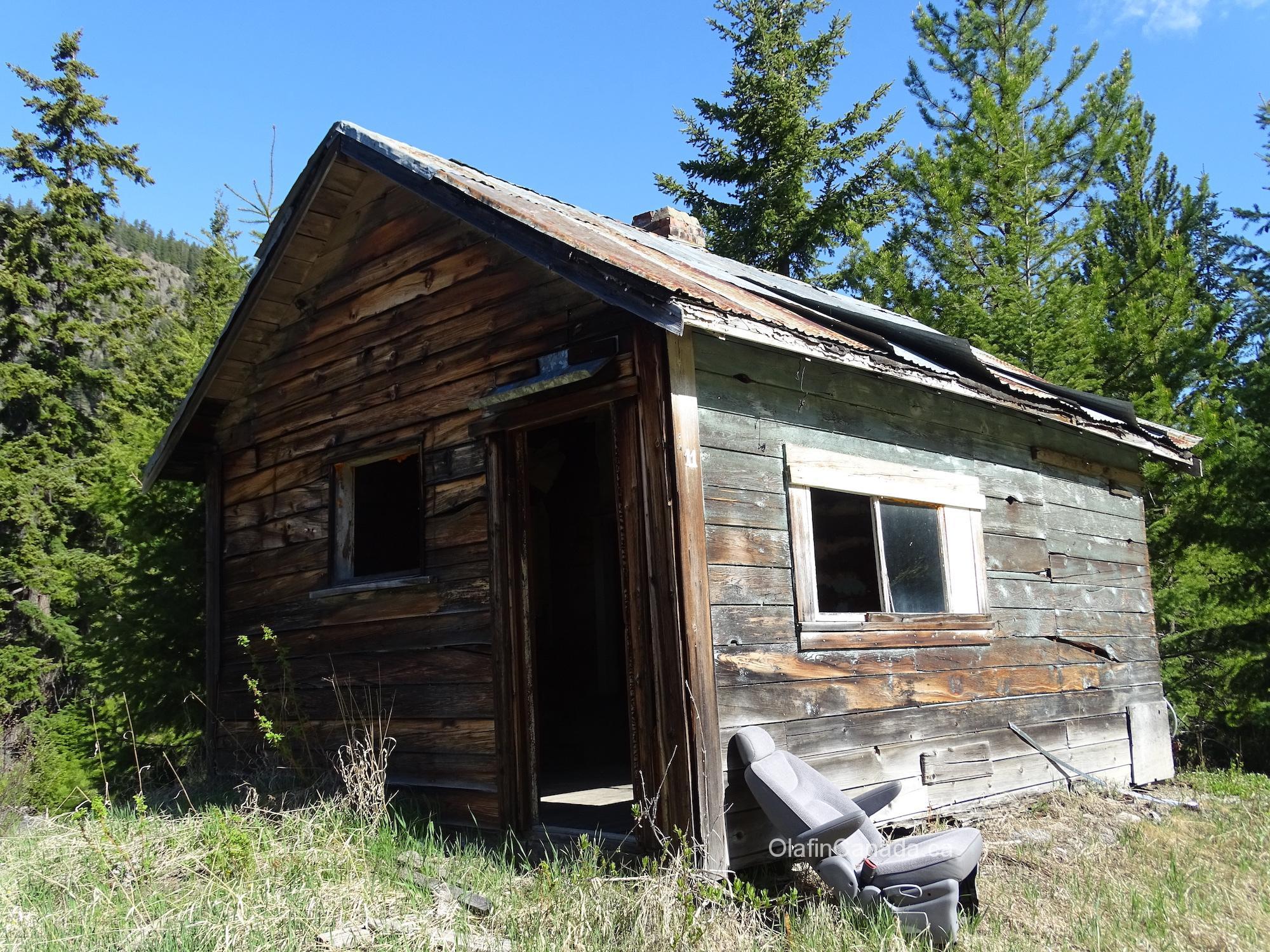 Small house in Ogden, BC #olafincanada #britishcolumbia #discoverbc #abandonedbc