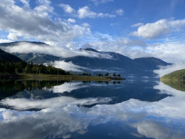 Mirror like Kitsault lake #olafincanada #britishcolumbia #discoverbc #kitsault #observatoryinlet
