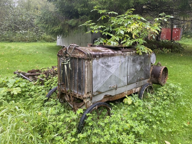 Steam tractor near house in Alice Arm. #olafincanada #britishcolumbia #discoverbc #abandonedbc #alicearm