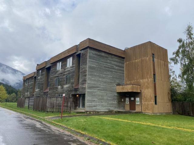 Apartment block in Kitsault #olafincanada #britishcolumbia #discoverbc #abandonedbc #kitsault