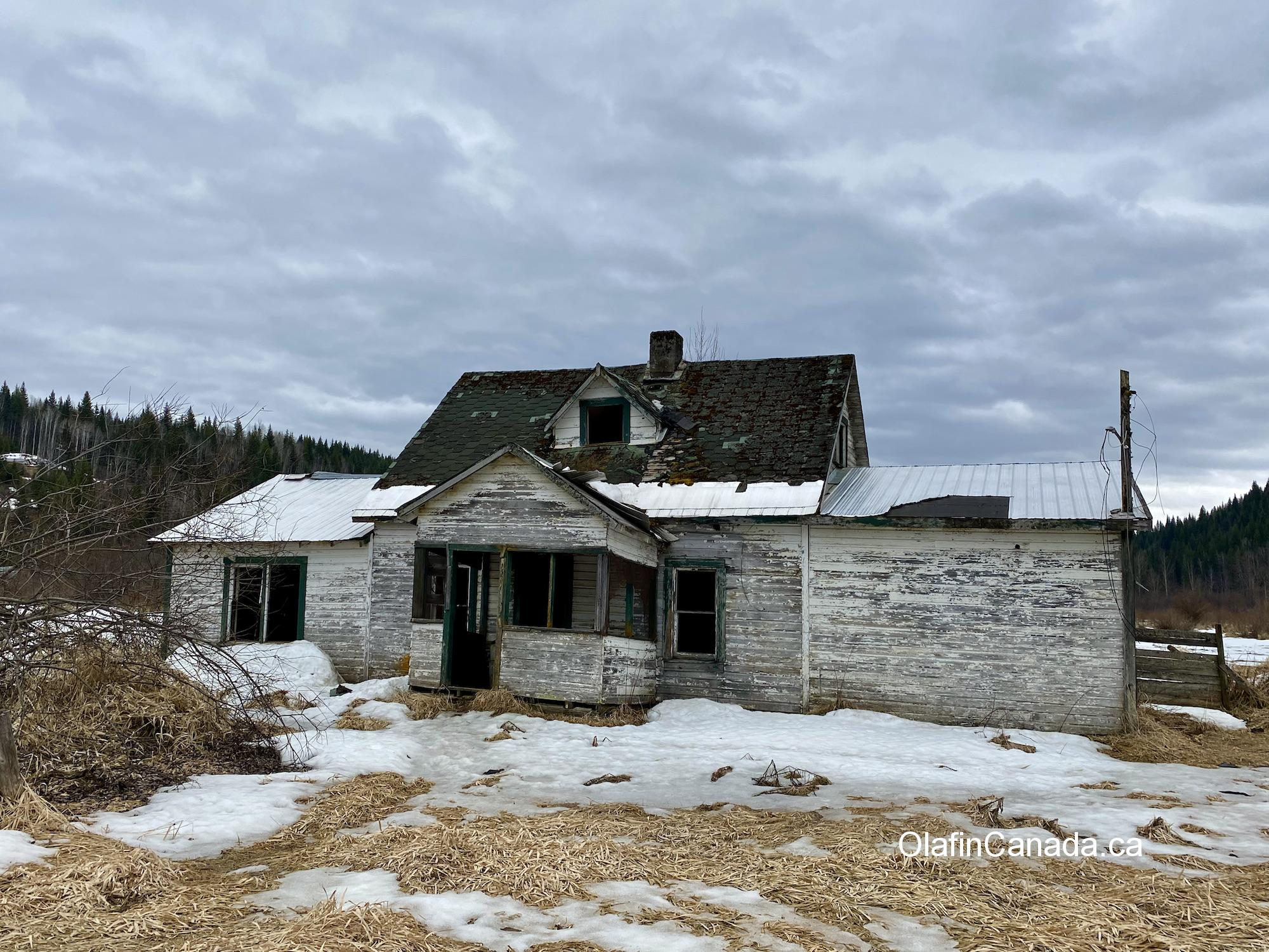 Abandoned home of the Helset family on the Clearwater Valley Road in south Wells Gray Park #olafincanada #britishcolumbia #discoverbc #abandoned #clearwater