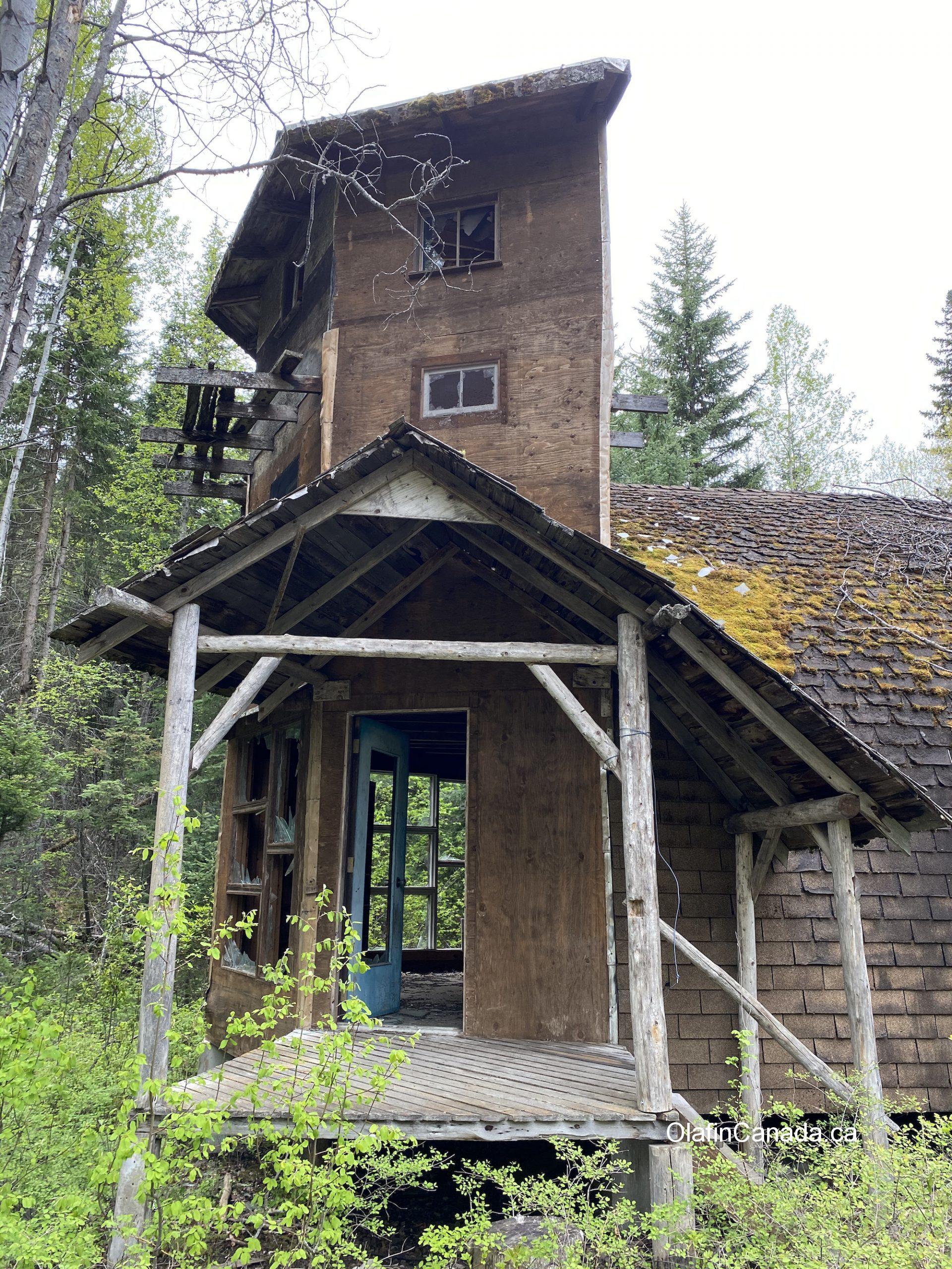 Tower house in Stocks Meadow near West Kelowna. #olafincanada #britishcolumbia #discoverbc #abandonedbc #stocksmeadow #hippies