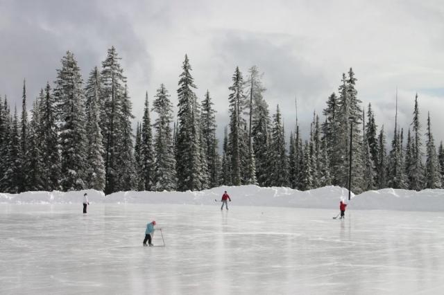 Hockey on Big White lake #olafincanada #britishcolumbia #discoverbc #bigwhite #kelowna #skating
