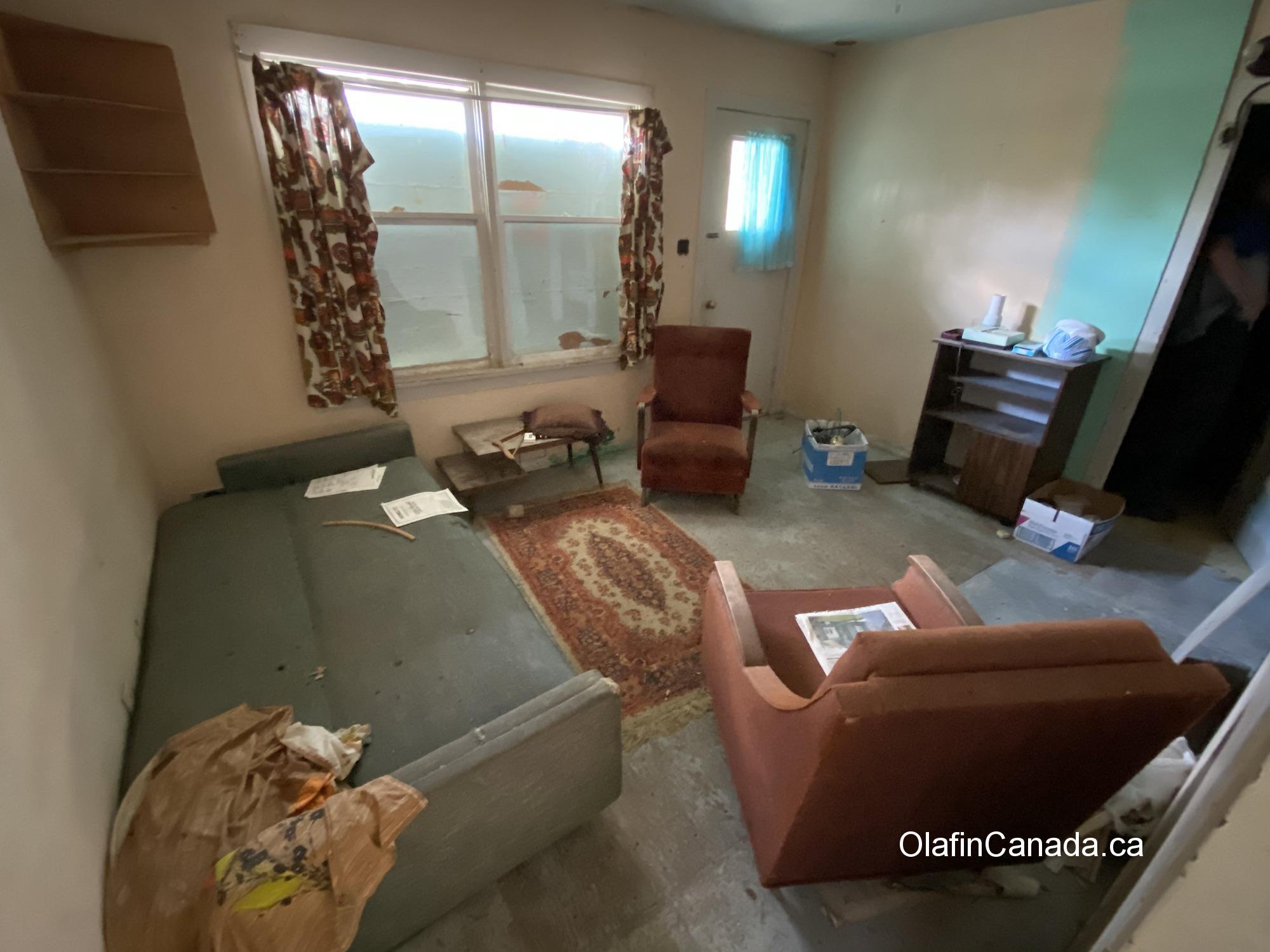 Interior house Bradian, BC. #olafincanada #britishcolumbia #discoverbc #abandonedbc #bradian