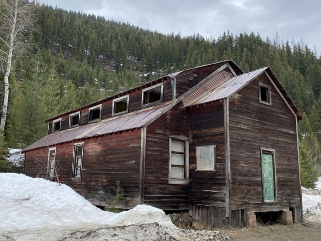 One of 2 houses in Retallack BC in the Valley of the Ghosts #olafincanada #britishcolumbia #discoverbc #abandonedbc #retallack