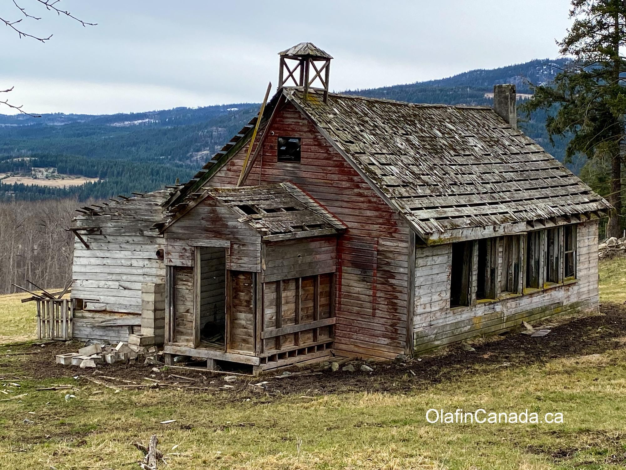 Small school in Chu Chua on Dunn Lake Road #olafincanada #britishcolumbia #discoverbc #abandonedbc #school