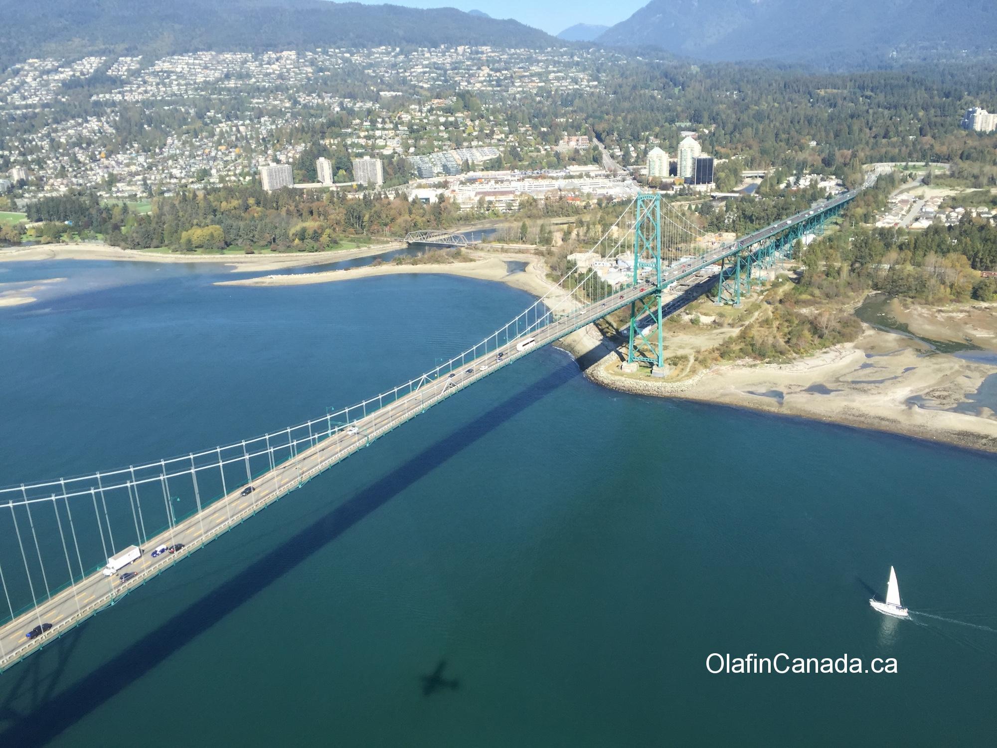 Lions Gate bridge Vancouver from the air by sea plane #olafincanada #britishcolumbia #discoverbc #vancouver #lionsgatebridge #seaplane