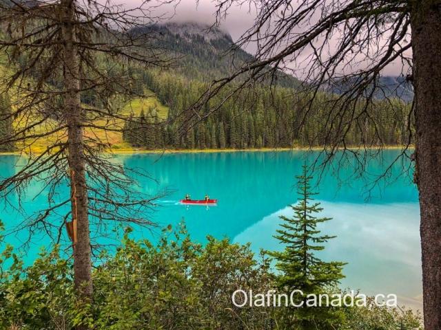 Canoeing on Emerald Lake in BC #olafincanada #britishcolumbia #discoverbc #emeraldlake #canoeing