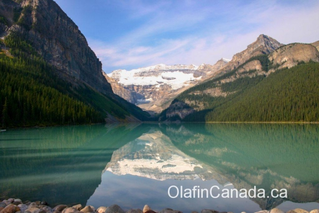 Lake Louise in Spring, great reflection #olafincanada #alberta #rockies #lakelouise