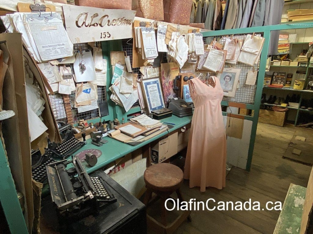 Office desk at the General Store in 153 Mile House #olafincanada #britishcolumbia #discoverbc #abandonedbc #153milehouse #generalstore #backintime