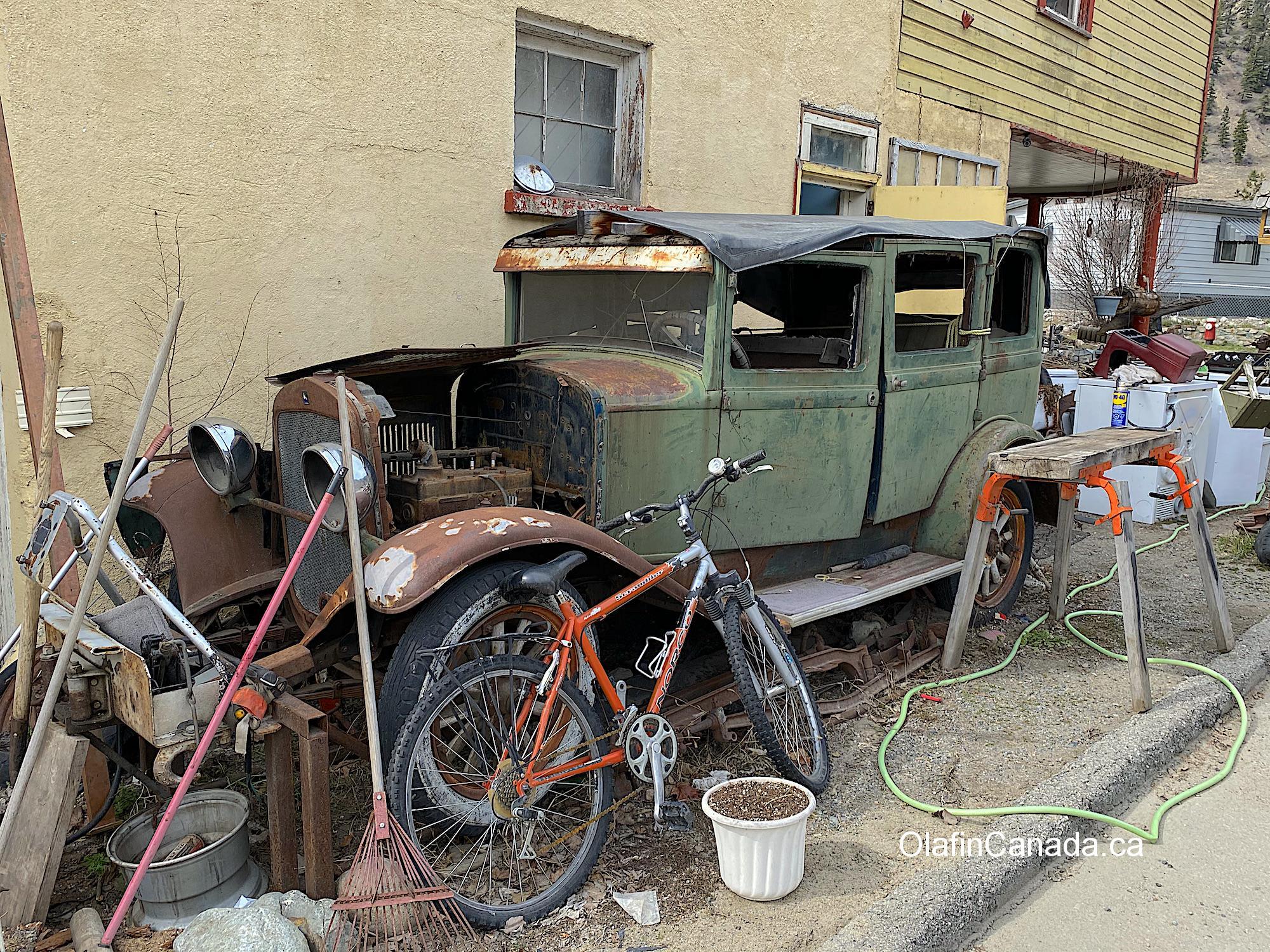 Abandoned car in Hedley #olafincanada #britishcolumbia #discoverbc #abandonedbc #hedley #car