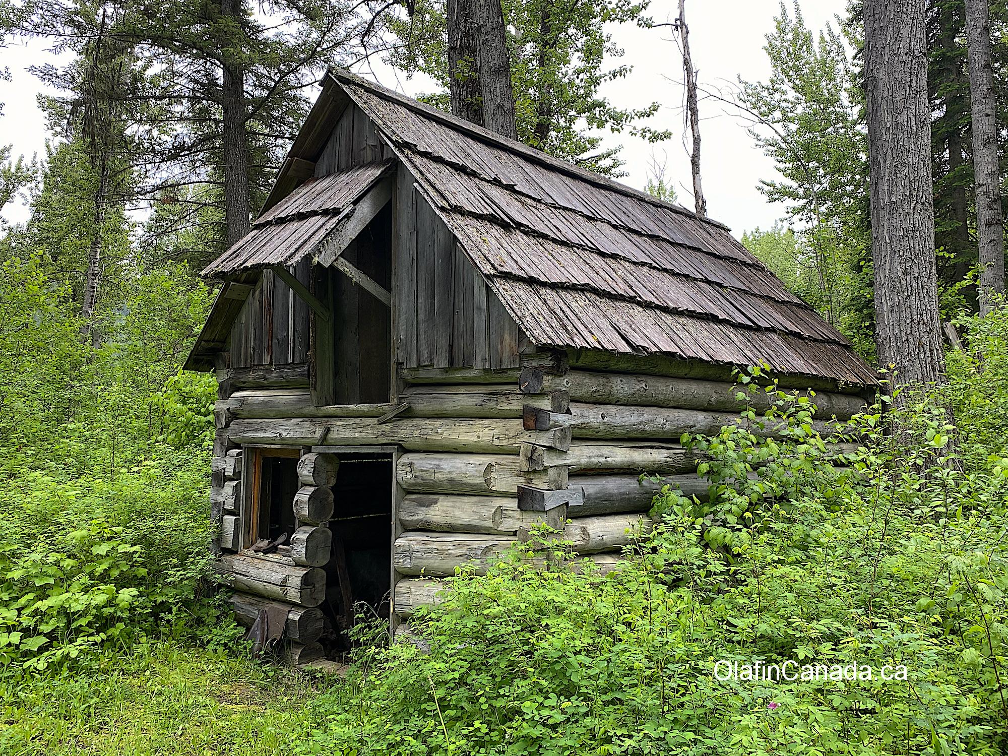 Miner's cabin aka Shoe Store in Quesnel Forks Old grave at the cemetery in Quesnel Forks #olafincanada #britishcolumbia #discoverbc #abandonedbc #cariboo #quesnelforks