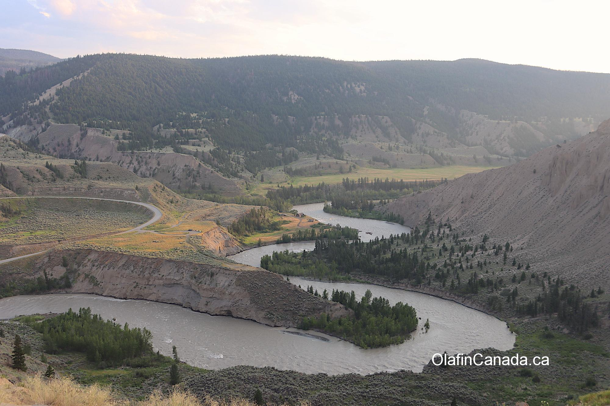 View of the Farwell Canyon with the Pothole Ranch in the middle #olafincanada #britishcolumbia #discoverbc #abandonedbc #chilcotin #farwellcanyon #potholeranch #homestead