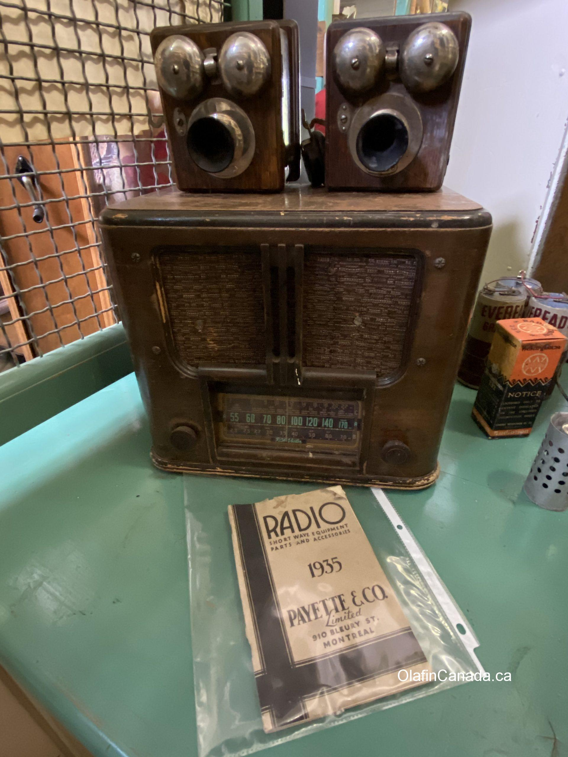 Old radio at the General Store in 153 Mile House #olafincanada #britishcolumbia #discoverbc #abandonedbc #153milehouse #generalstore #backintime