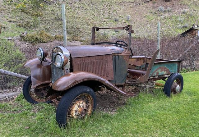 Old Ford pick up on Summerland Princeton Road BC #olafincanada #britishcolumbia #discoverbc #abandonedbc #ford #pickup