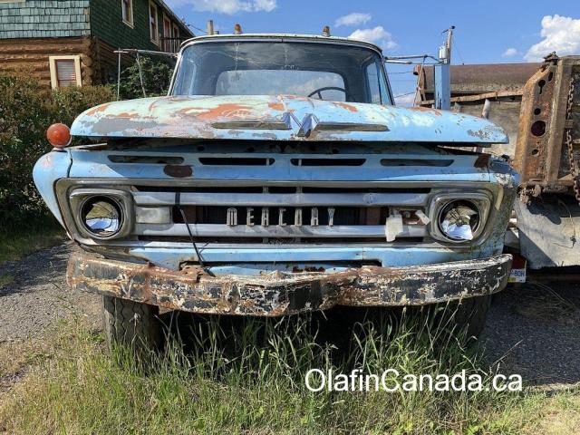 Mercury truck in Riske Creek BC #olafincanada #britishcolumbia #discoverbc #abandonedbc #cariboo #riskecreek #truck